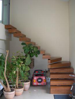 Стълби за мезонет без видима конструкция - Изображение 1